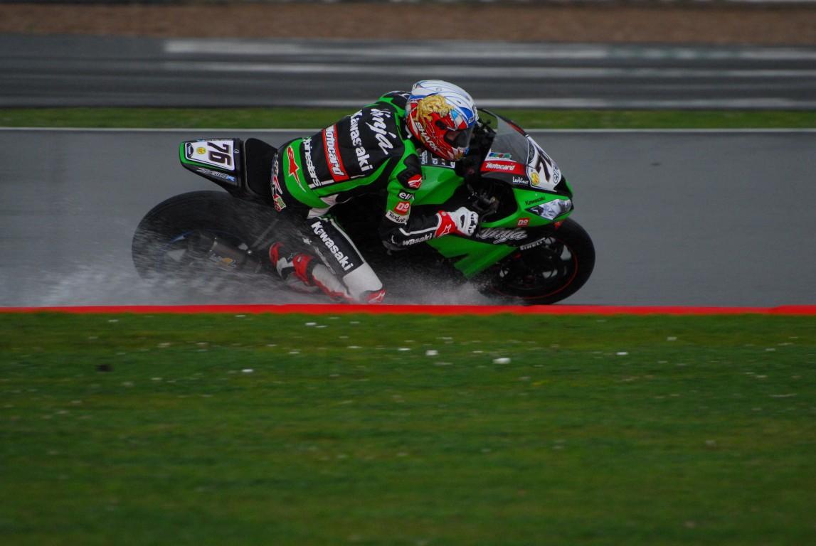 2012_SBK_Silverstone_Race_2_Rain_143_Medium