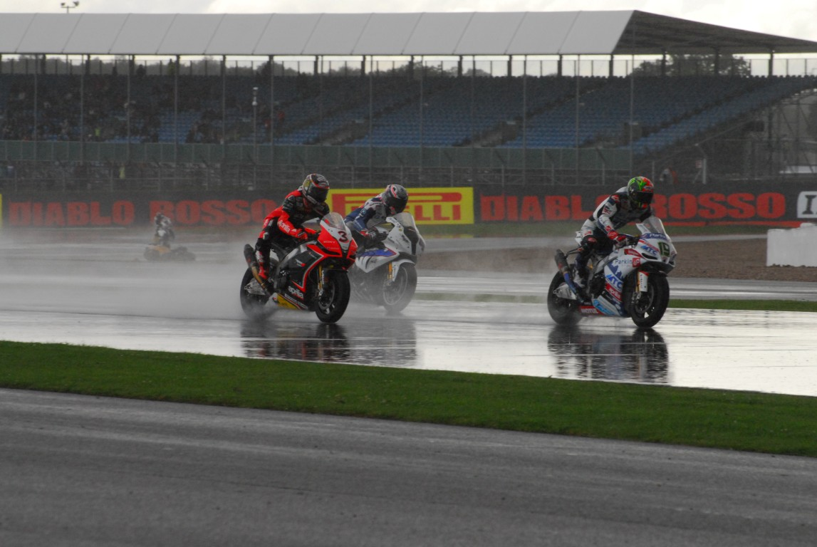 2012_SBK_Silverstone_Race_2_Rain_162_Medium